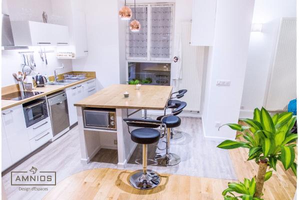 renovation appartement - maitre d'oeuvre - grenoble - amnios - agence architecture - vue sur la cuisine du couloir